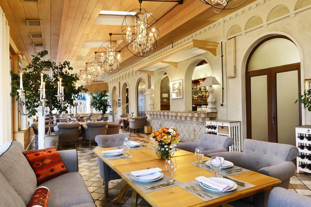 هتل آمباسادوری تفلیس از بهترین هتل های 4 ستاره تفلیس گرجستان