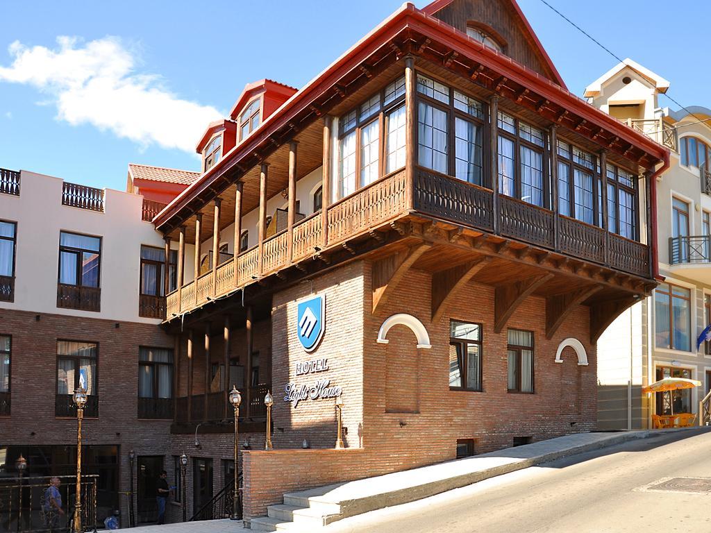 هتل لایت هاوس تفلیس گرجستان از بهترین هتل های 3 ستاره تفلیس گرجستان