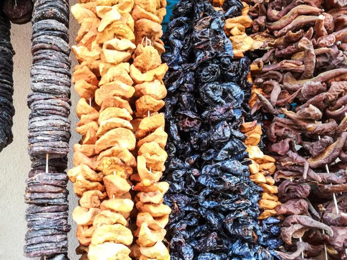 خرمالوی خشک شده - لیست غذاهای گرجی