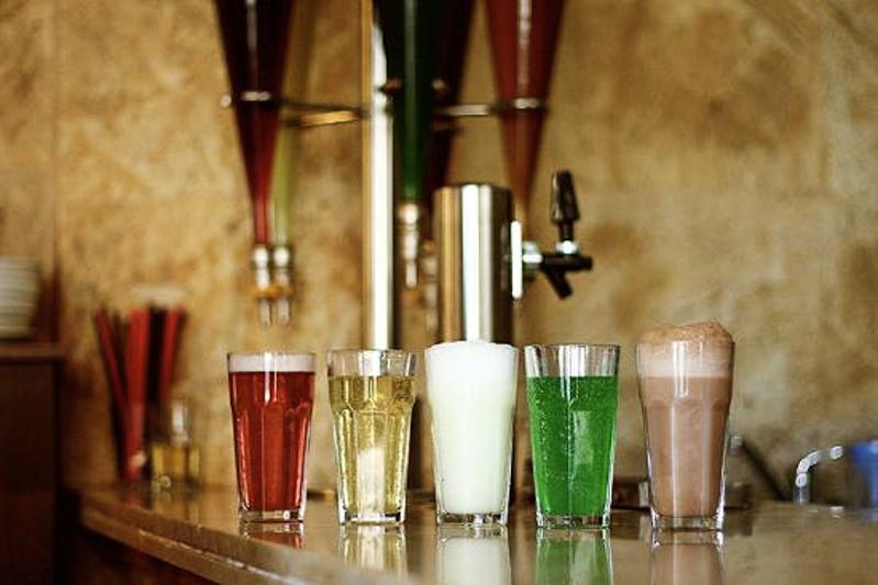 آب معدنی برجومی - Borjomi Mineral Water