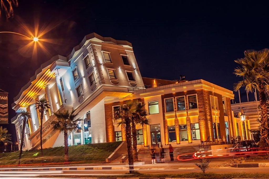 هتل بلو استار باتومی از بهترین هتل های 3 ستاره باتومی گرجستان