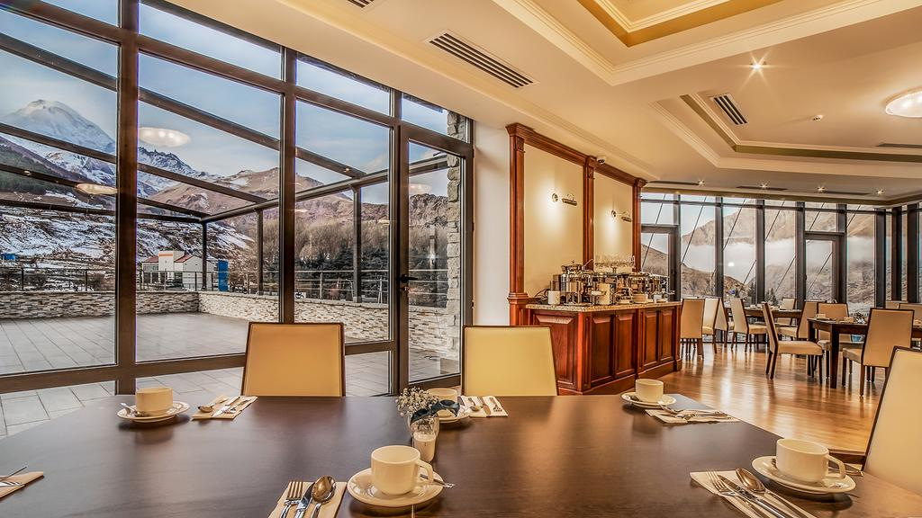 هتل پورتا قفقاز کازبگی از بهترین هتل های شهر کازبگی گرجستان