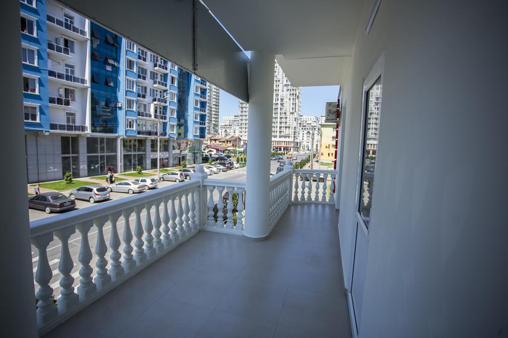 هتل گارانتی باتومی از بهترین هتل های 3 ستاره باتومی گرجستان