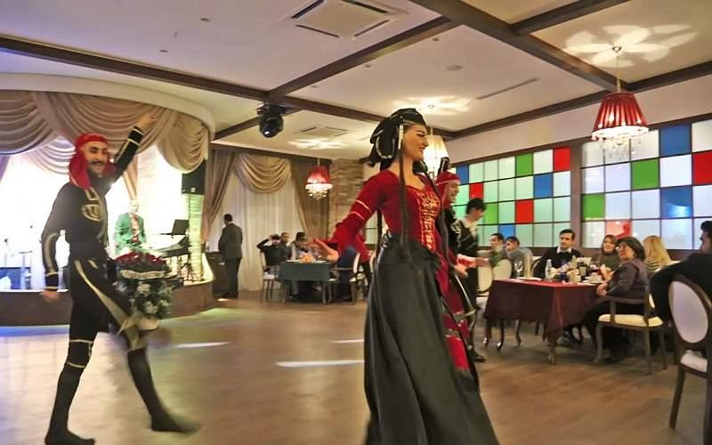 رستوران های با رقص و آواز گرجی