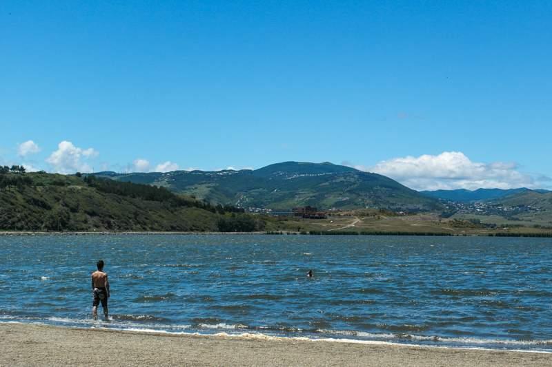دریاچه لیسی در تفلیس -جاذبه های دیدنی شهر تفلیس