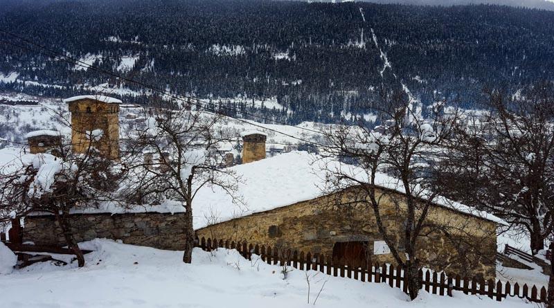 دهکده زیبای مستیا در زمستان
