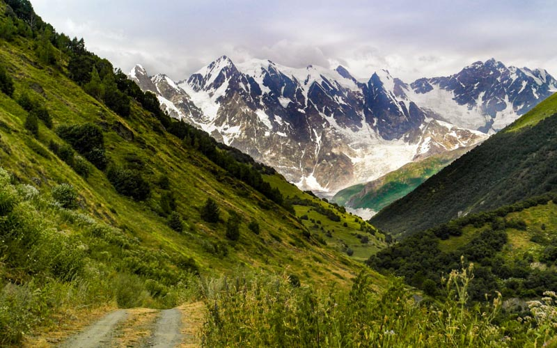 قله شخارا