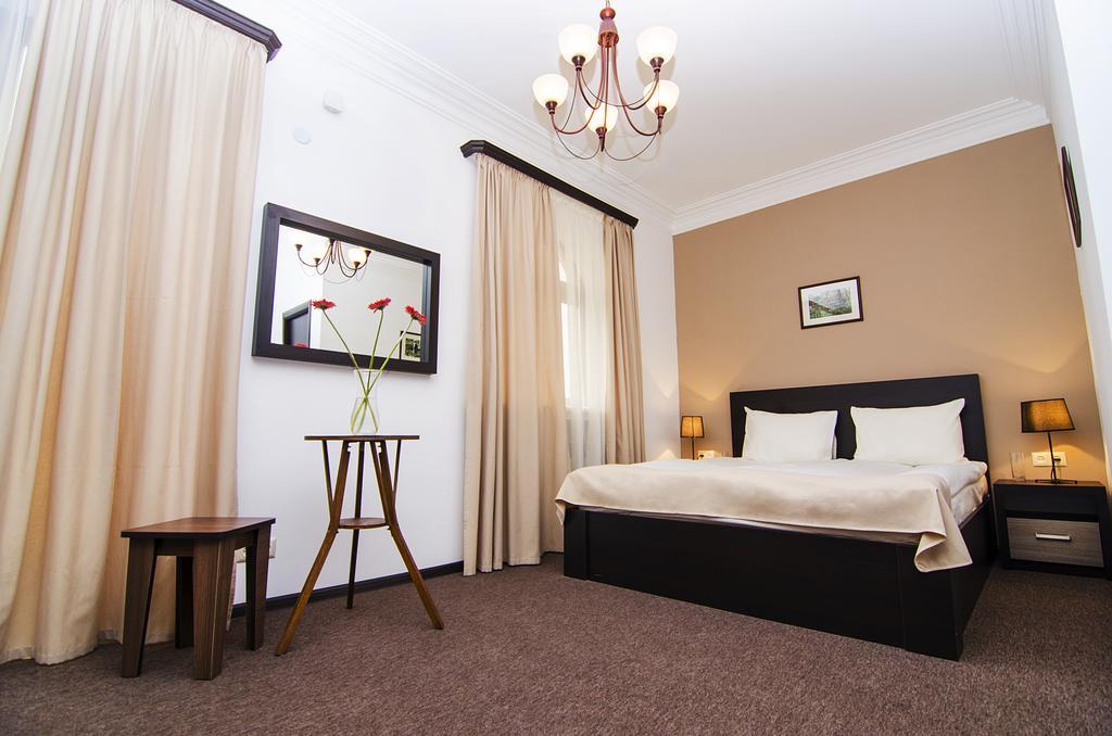 هتل سیتی سنتر ایروان از بهترین هتل های 3 ستاره ایروان ارمنستان