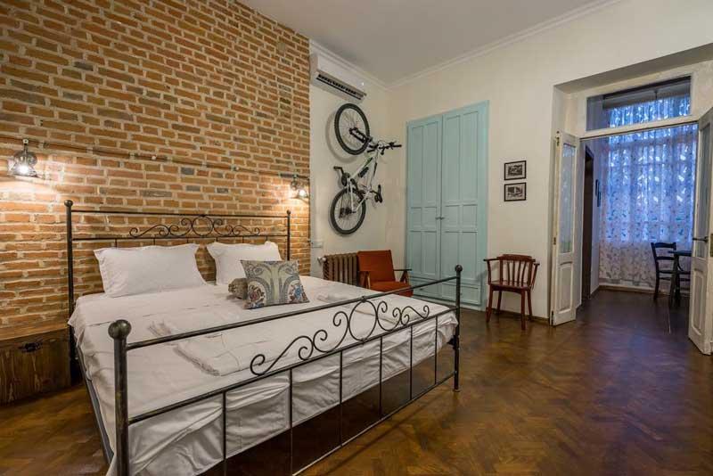 هتل دورز میدان تفلیس گرجستان از بهترین هتل های 3 ستاره تفلیس گرجستان